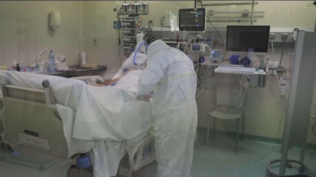 Sanidad notifica 11.435 nuevos casos y 397 muertes por Covid-19, con una incidencia por debajo de 300