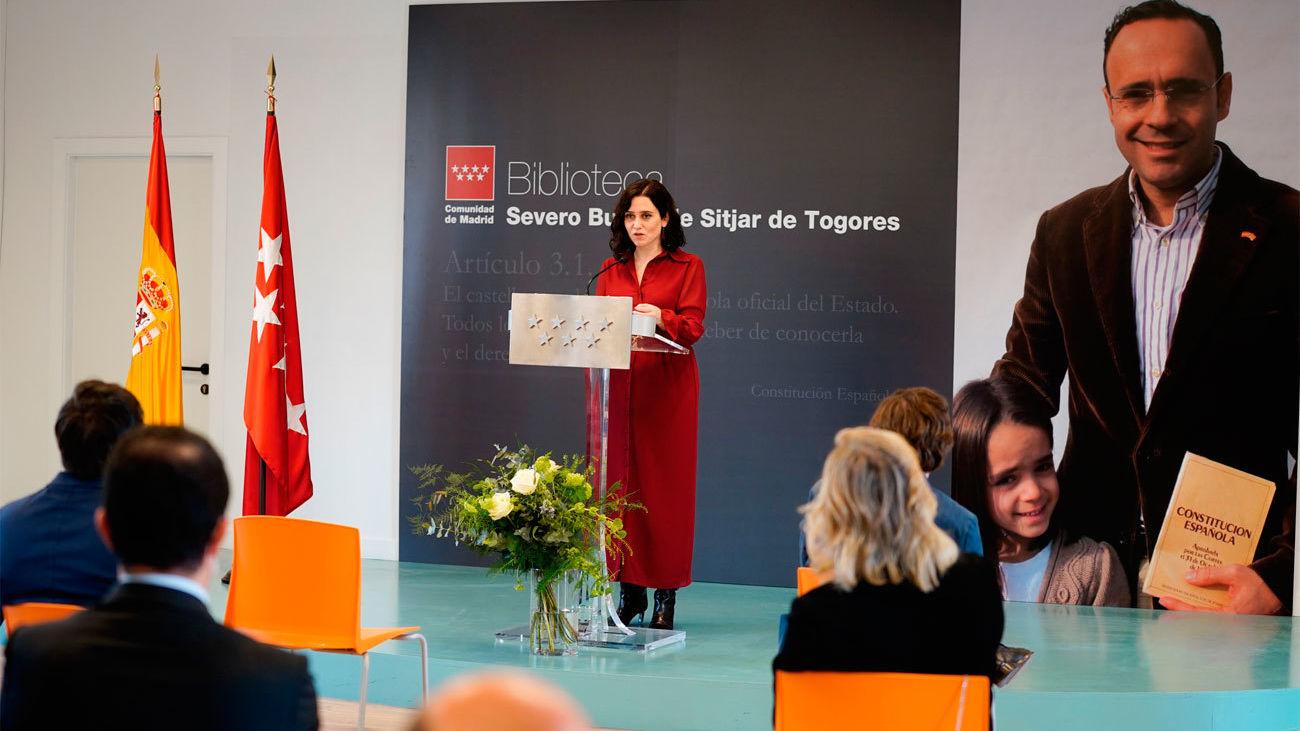 Ayuso y Almeida inauguran la biblioteca que homenajea al abogado Severo Bueno