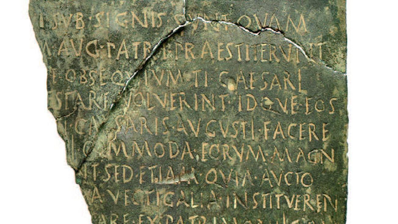 Documento romano recuperado por la Policía Nacional