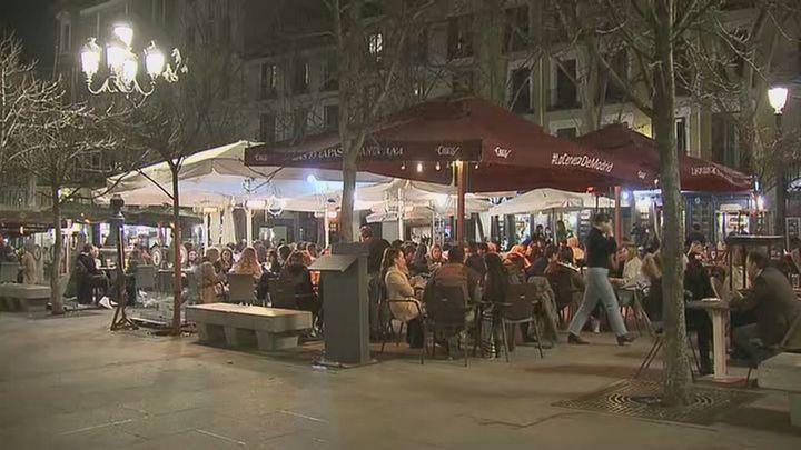 Terrazas repletas en Madrid para comenzar el fin de semana