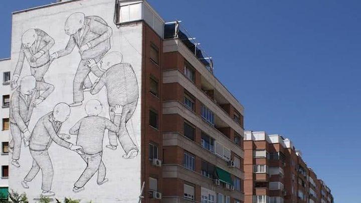 La reforma de un edificio acaba con un mural del artista urbano Blu en Usera