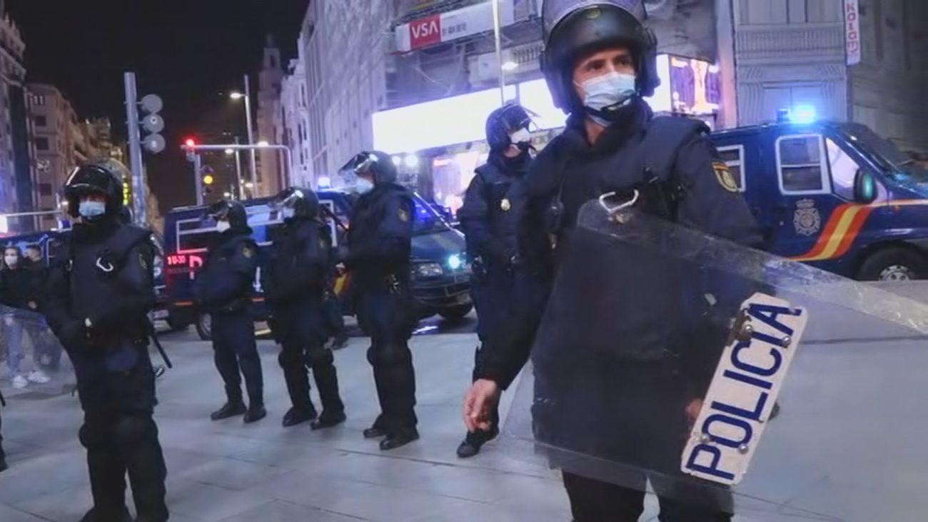Amplio despliegue policial en el entorno de la plaza de Callao