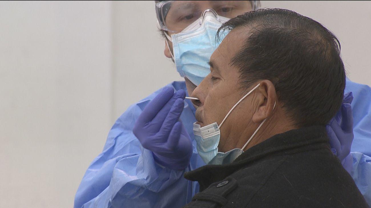 Madrid activa dispositivos de test de antígenos en nueve zonas sanitarias