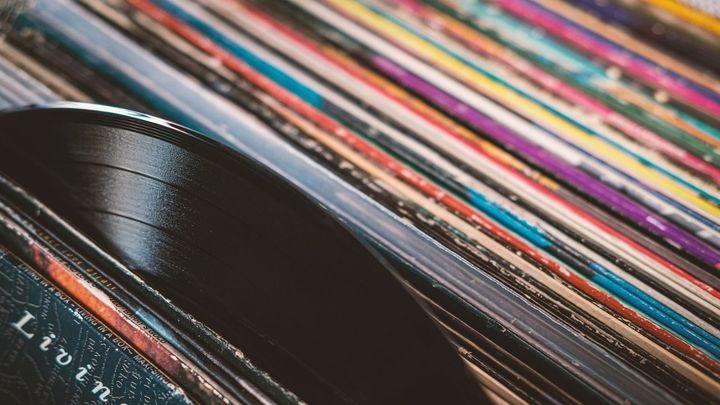 Abre la única fábrica de discos de vinilo de Madrid