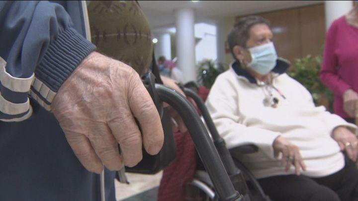 El nuevo protocolo para las residencias permitirá tres días de visita a los familiares