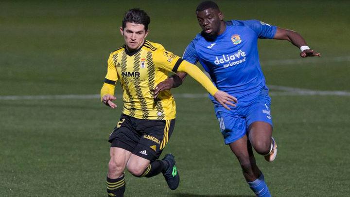 2-2. Borja Garcés rescata al Fuenlabrada ante el Oviedo