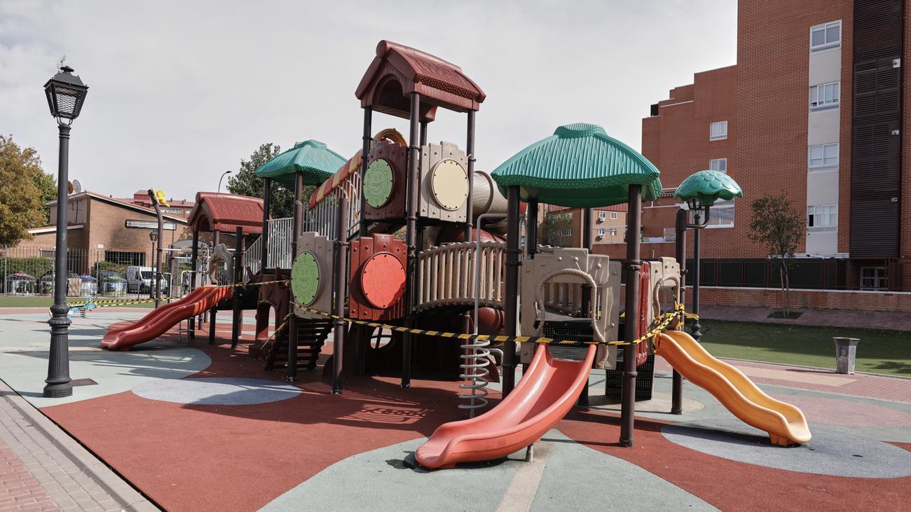 Parque de juegos infantiles