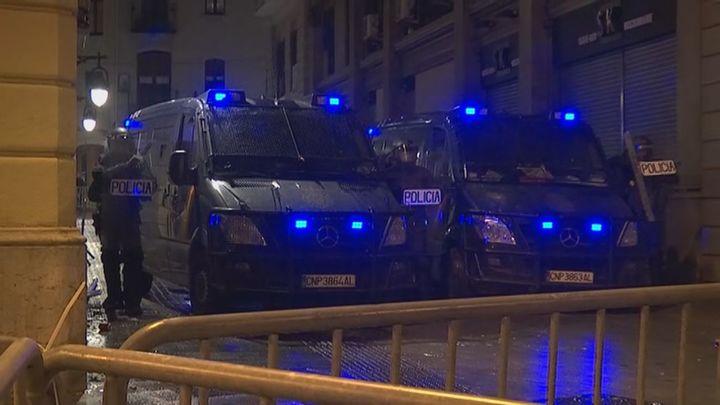 Séptima noche de disturbios en Barcelona tras una protesta contra los antidisturbios