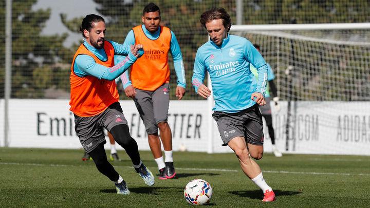 El Real Madrid prepara el duelo contra la Real Sociedad, sin Benzema ni Sergio Ramos