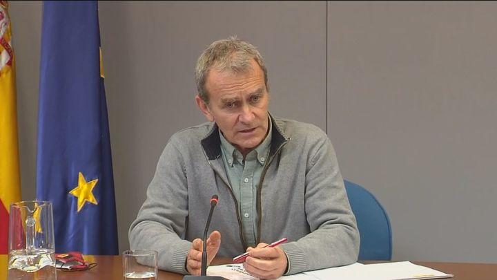 """Fernando Simón """"no da una"""", afirman los barones del PP"""