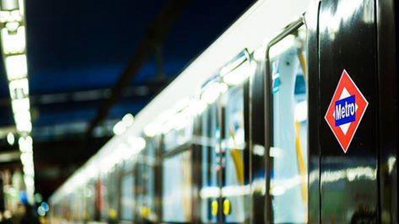 Aglomeraciones diarias en la Línea 11 de metro