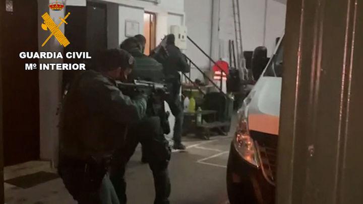 Detenidas siete personas e incautadas  dos toneladas de hachís en Málaga