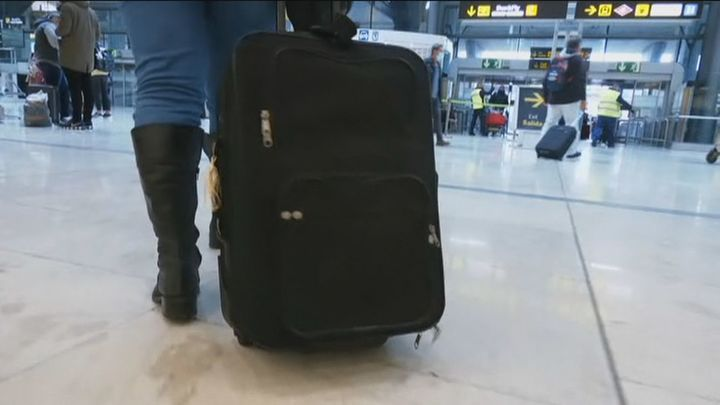 Bruselas ultima su 'pasaporte covid' para viajar quien esté inmunizado o tenga test negativo