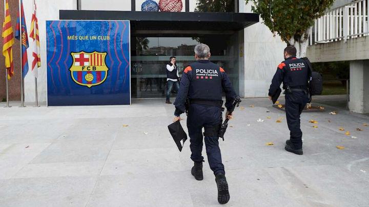 Registro de las oficinas del Barça y cuatro detenciones, entre ellas la de Bartomeu