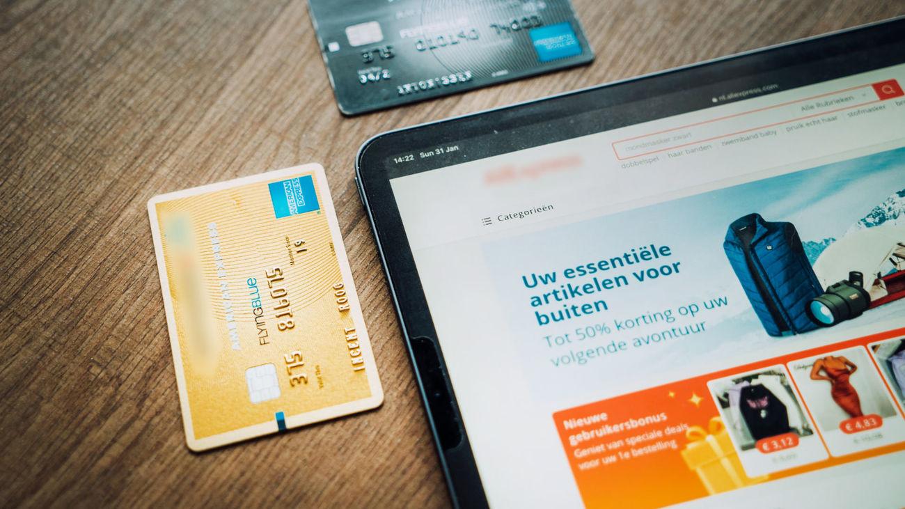 Las tiendas presenciales pierden peso frente al comercio electrónico
