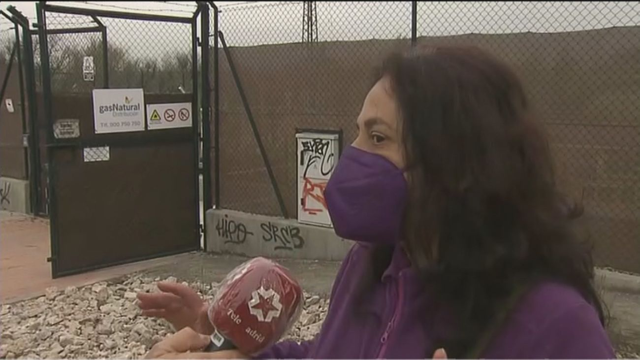 """Los vecinos de San Fermín se quejan del olor a gas de una subestación: """"Esto puede pegar un petardazo"""""""