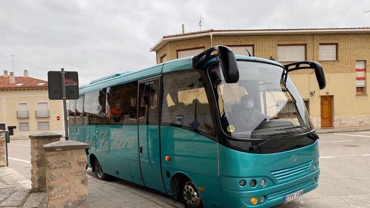 Morata pone autobuses para que sus mayores de 80 años puedan ir a vacunarse a Perales