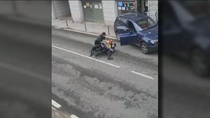 El conductor del vehículo que intentó atropellar a 2 guardias civiles en Colmenarejo era un exconvicto