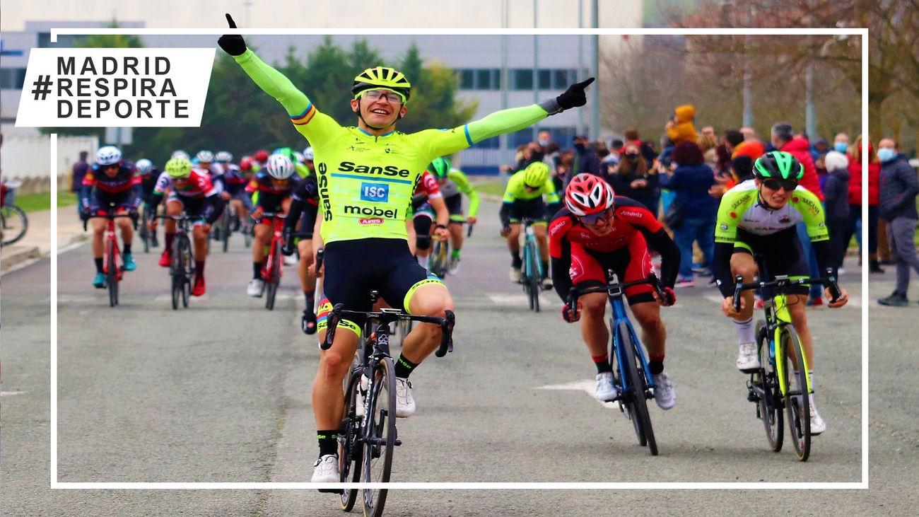 El ciclista madrileño Rubén Sánchez gana la primera prueba de la temporada en Navarra