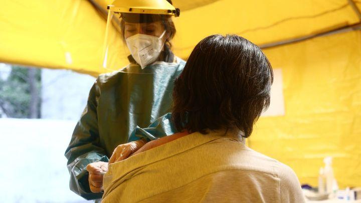 La vacunación contra la Covid-19 sigue condicionada por la entrega de las dosis