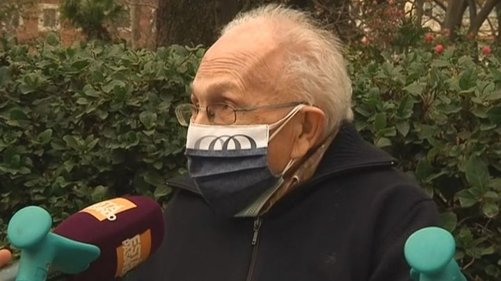 Después de un año sin salir de sus residencias, los mayores visitan el Jardín Botánico