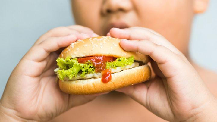 """""""La mitad de los niños en España tiene sobrepeso y ése es el camino indiscutible hacia la obesidad"""""""