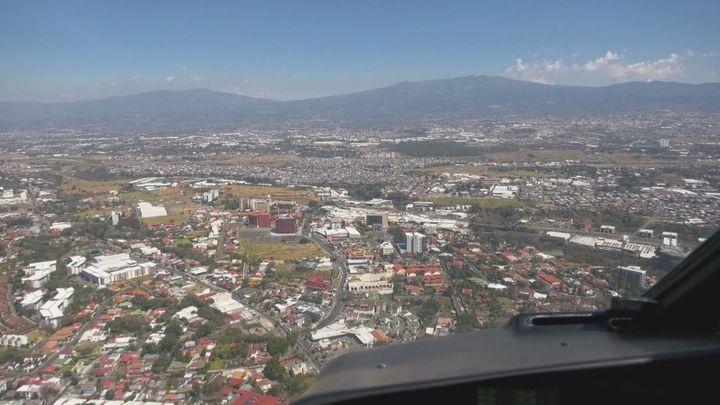 Visitamos la ciudad de San José, en Costa Rica, desde el aire