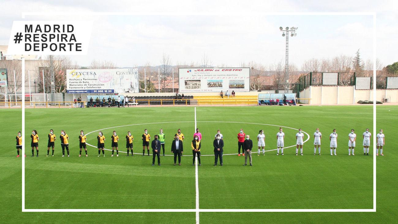 Inauguración del césped del campo de fútbol El Chopo