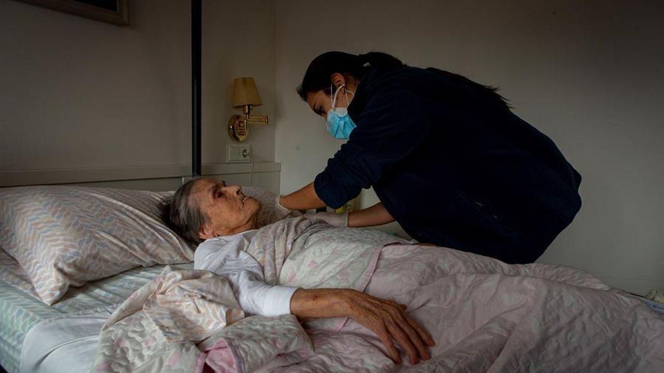 Madrid comenzará a vacunar a grandes dependientes en sus domicilios y en centros de salud el lunes 8 de marzo