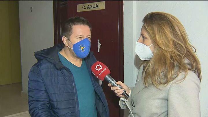 """Sigue la pesadilla de Pedro, amenazado por sus vecinos okupas en Vallecas: """"Lo único que quiero es salir de aquí"""""""