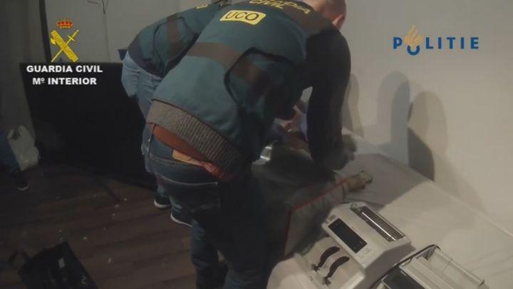 Un triple golpe de la Guardia Civil acaba con el mayor alijo de cocaína rosa