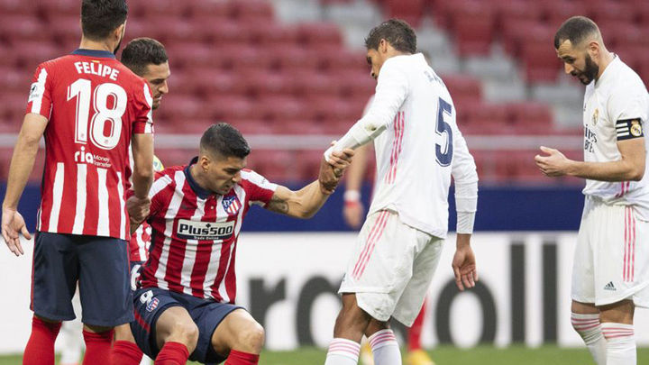 1-1. Benzema contrarresta a Luis Suárez e iguala el derbi