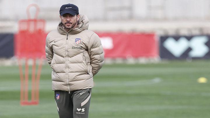 El Atlético se prepara para el Athletic sin Herrera y Giménez