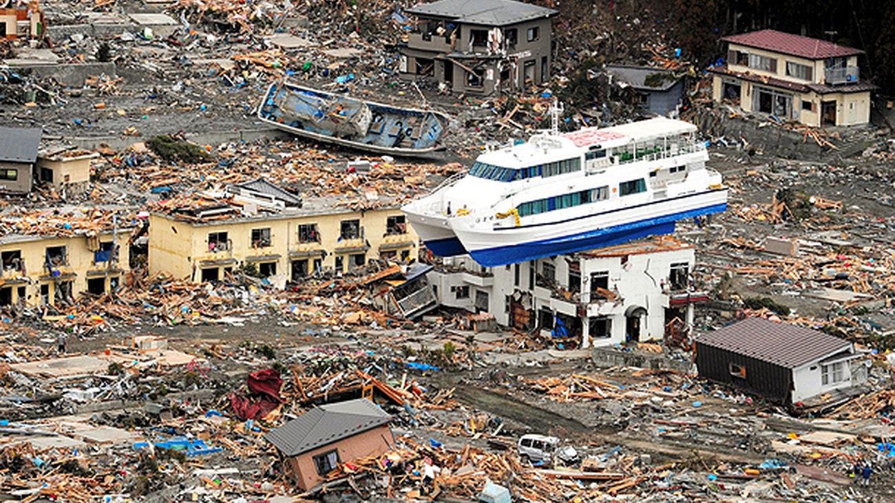 Efectos del tsunami creado tras el terremoto de 2011 en Japón