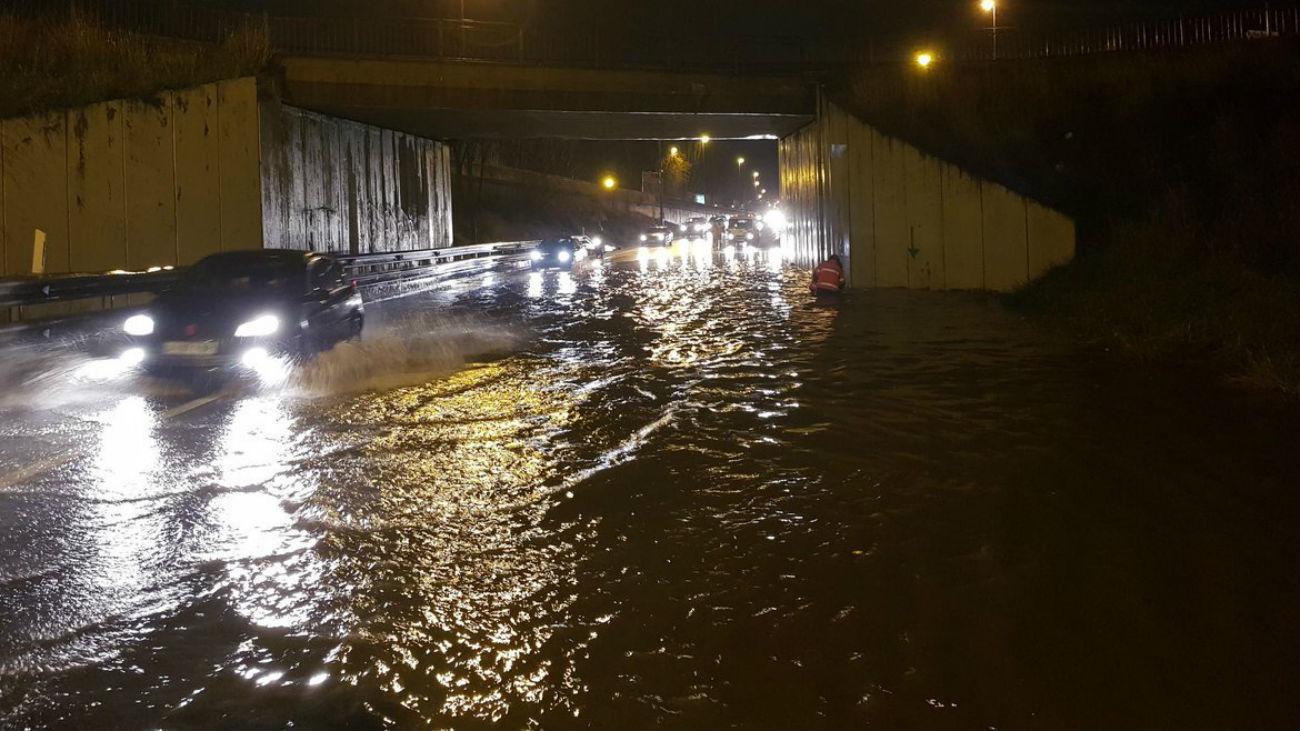 Paso subterráneo de Fuenlabrada inundado