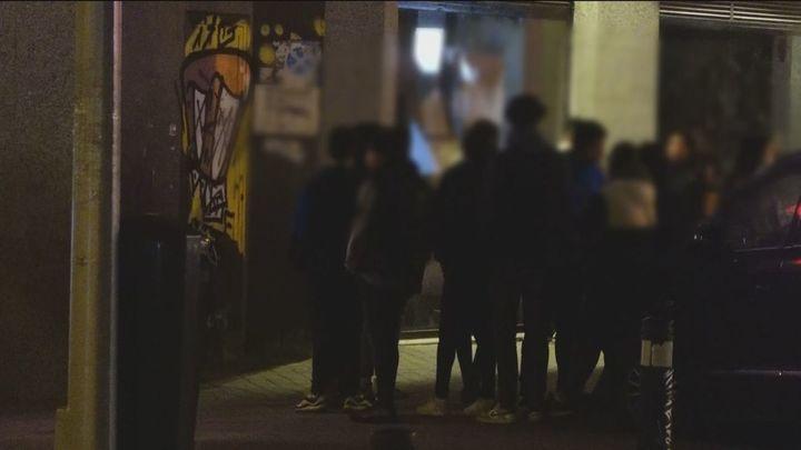 Pelea entre jóvenes a las puertas de una discoteca en Chamberí, saltándose las restricciones