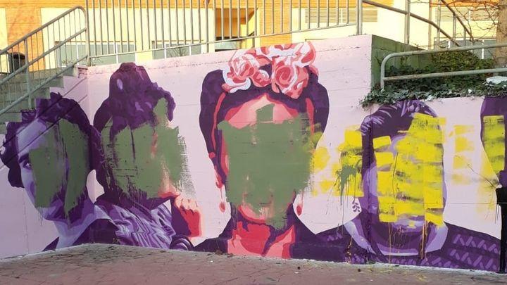 Getafe amanece con la réplica del mural feminista de Ciudad Lineal vandalizado