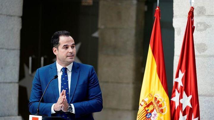 """Ayuso destituye a todos los consejeros de Ciudadanos y Aguado responde: """"Ha perdido la cabeza"""""""