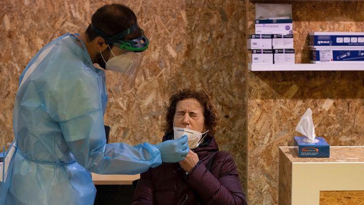 Sanidad notifica 4.792 nuevos contagios con 19 defuncionesen España en las últimas 24 horas