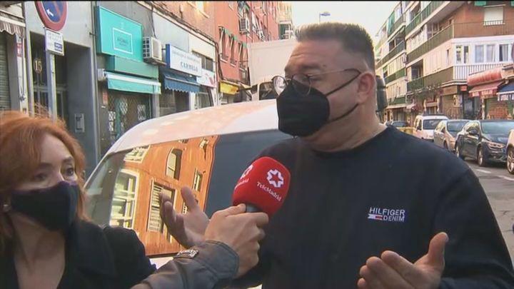 Vecinos y comerciantes en contra de que peatonalicen la calle Boltaña en Canillejas