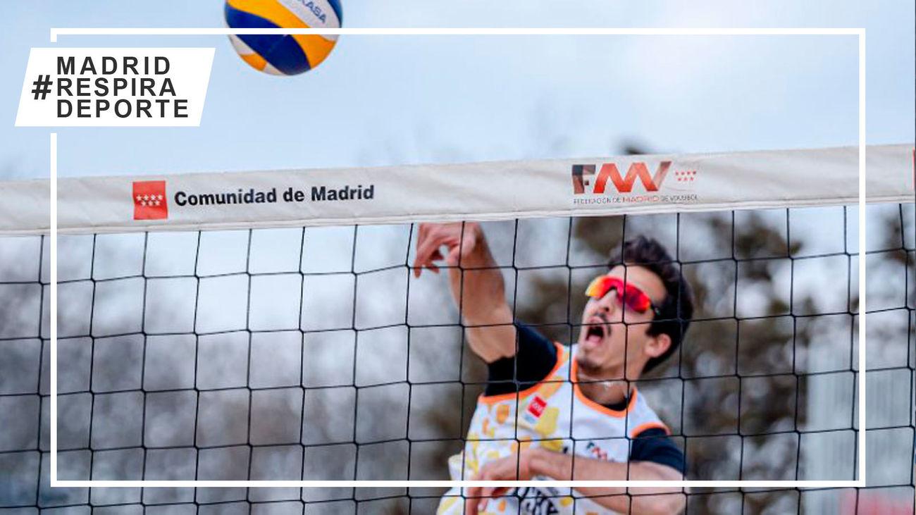 Triunfos de Pedrosa-Campos y González-Vergara en la sexta jornada de la Liga de Invierno de voley playa