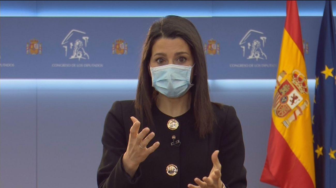 Arrimadas dice que no apoyará ninguna moción de censura en Madrid