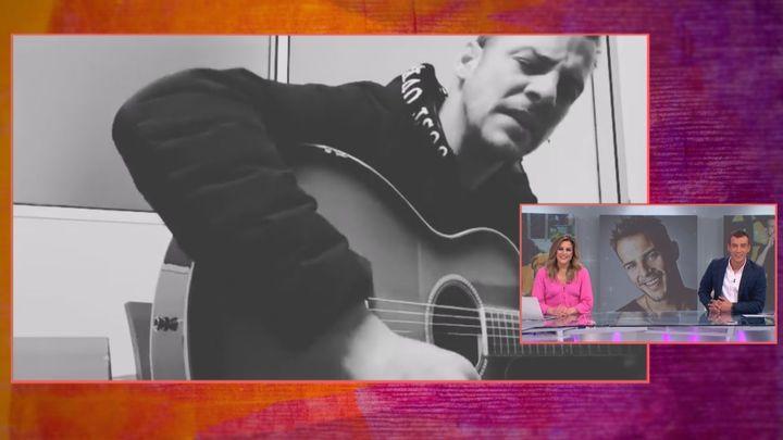 Escuchamos en exclusiva en Juntos un fragmento de una canción inédita de Álex Casademunt