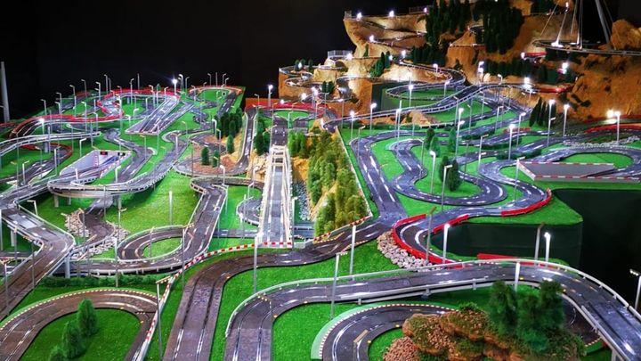 La pista de Scalextric más grande del mundo está en Getafe