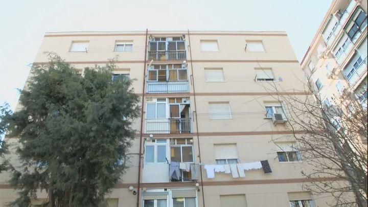 Una familia de Getafe trata de recuperar su vivienda okupada