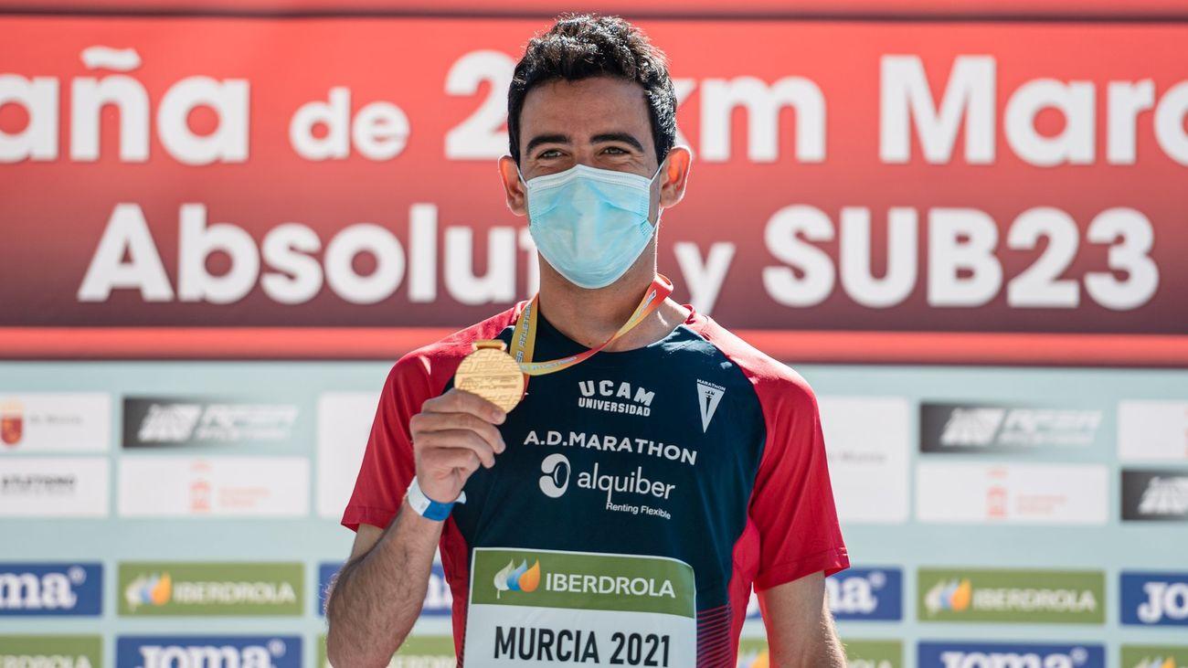Diego García Carrera celebra en Onda Madrid el campeonato de España de marcha