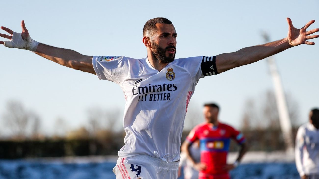 2-1 Benzema rescata con un doblete al Real Madrid