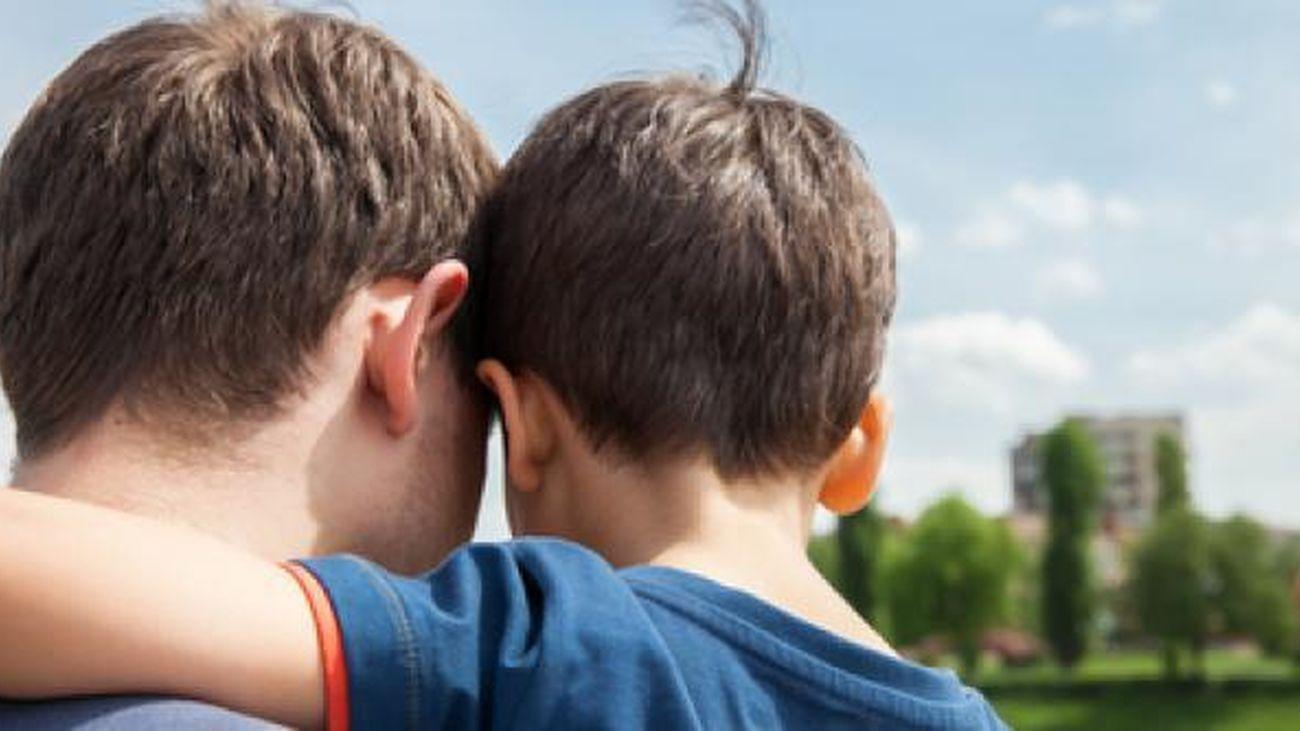 Dos menores llevan 7 meses sin ver a su padre por culpa de las medidas covid