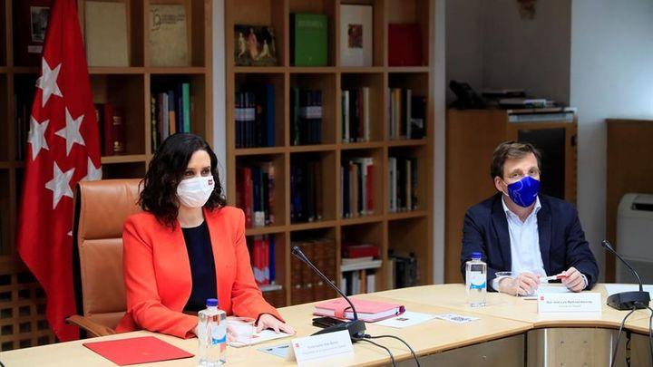 """La candidatura de Iglesias en Madrid cambia el lema del PP a """"comunismo o libertad"""" y provoca la diversión en Vox"""