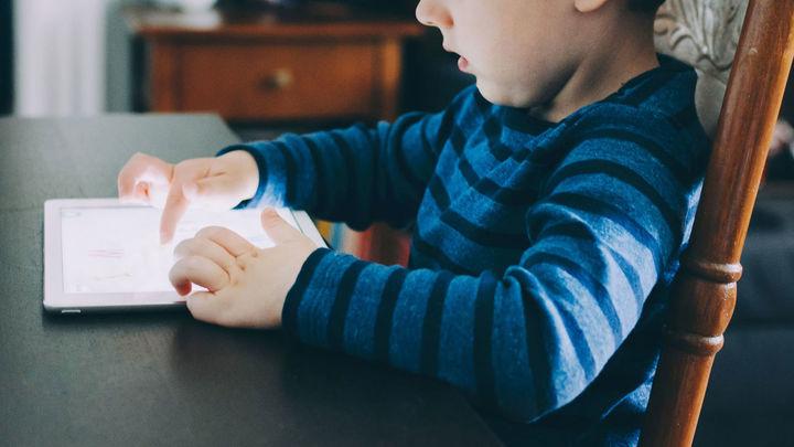 Cómo explicar a nuestros hijos los peligros de los dispositivos digitales